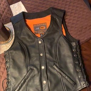 First Manufacturing Co. leather vest sz. Small